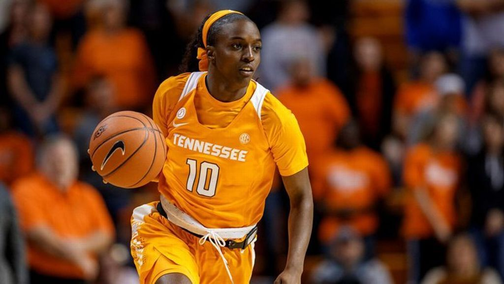 No. 9 Tennessee knocks off No. 12 Texas