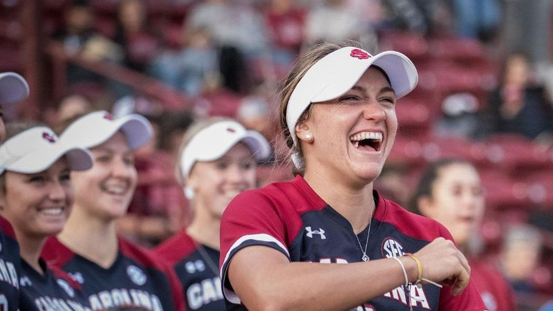 No. 20 South Carolina avoids sweep