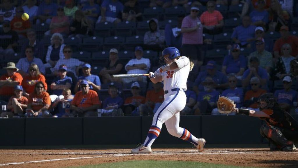 No. 9 Gators clinch series over Aggies