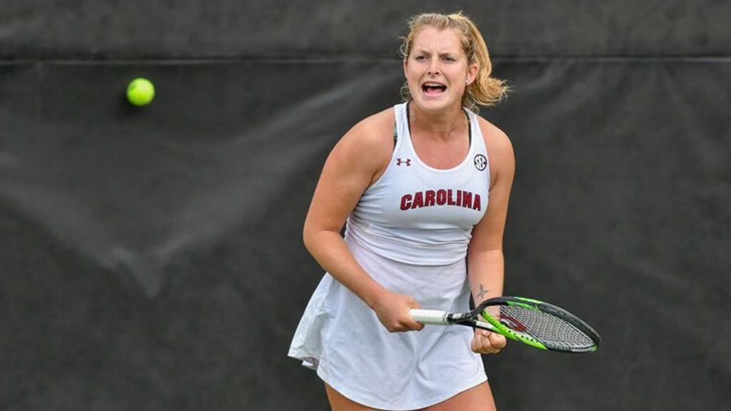 South Carolina edges Florida 4-3