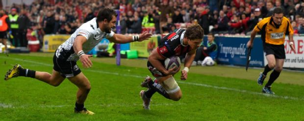 Henry Purdy crosses for Gloucester against Zebre