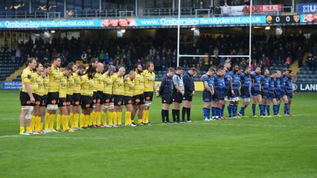 Worcester Warriors and La Rochelle observe a minutes silence