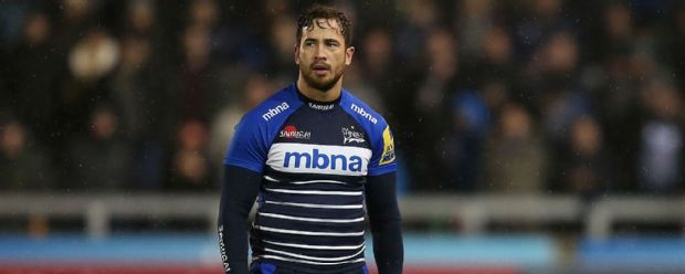 Danny Cipriani lines up a penalty for Sale Sharks