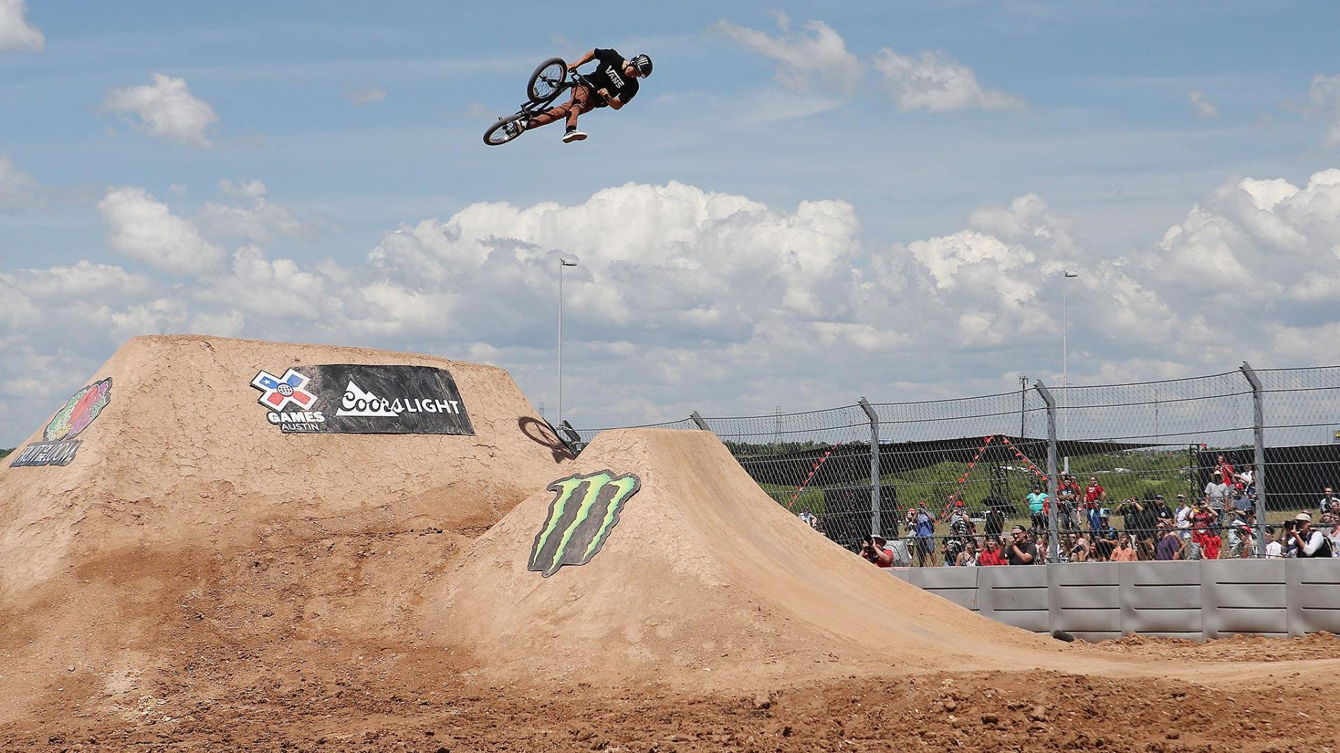 X Games Bmx Dirt Kevin Peraza's officia...