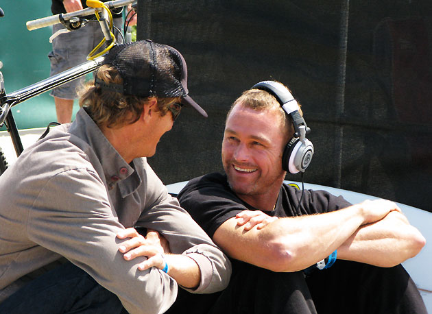 It's not all about heat scores, sometimes it's nice just to see old friends. Shane Beschen and Taylor Knox catching up. Crazy to think that they were both in their prime at Lowers when Kelly arrive on the scene back in '91, yet they're still doing it.