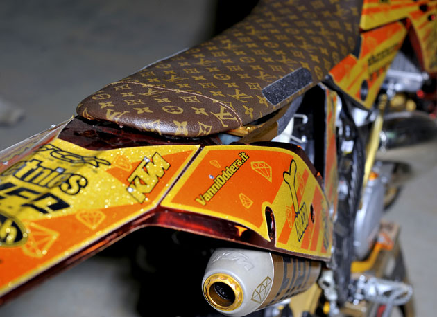 With such an elaborate bike, you think Vanni would put a fake Luis Vuitton seat on his bike? Hell no! I stole my mom's 1,2000 Euro LV handbag, cut it up and covered my seat with it. Can you imagine how pissed his mom must've been? Crazy Italians!