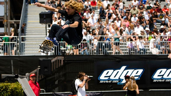 Elissa Steamer is still the Godmother of women's street skating.