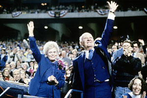 Former Kansas City Royals owner Ewing Kauffman and his wife, Muriel, before the start of a World Series game between the St. Louis Cardinals and the Royals at Royals Stadium in October 1985.