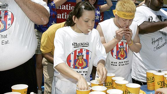 Sonya Thomas ate 41 hot dogs and buns at the 2009 Nathan's contest. She is favored to take home the inaugural women's title.