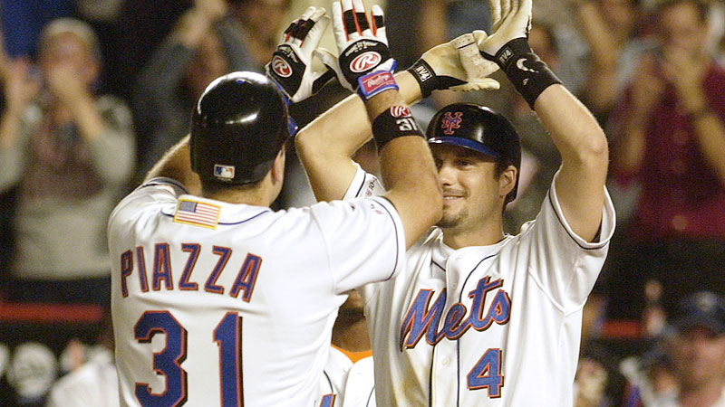 Sept. 21, 2001: Mike Piazza and Robin Ventura