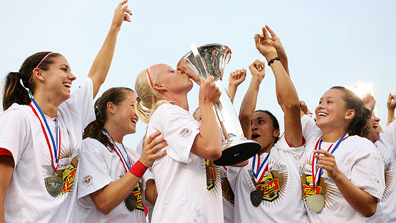 With the league's best regular-season record, the Western New York Flash enjoyed a home-field advantage, allowing a record crowd of fans to watch them get the championship trophy.