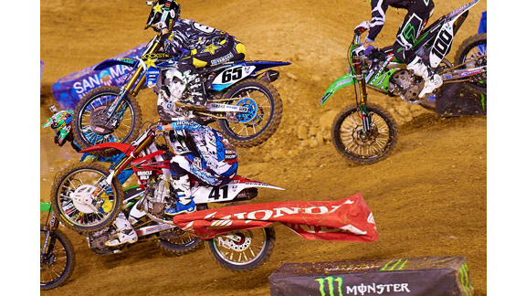 When Trey Canard (41) was unable to jump the triples, Ryan Morais (65) was already committed. The resulting crash ended both of their supercross seasons.