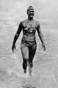 In 1926, Gertrude Ederle became the first woman to swim across the English Channel -- and she was faster than the five men who had done it before her.