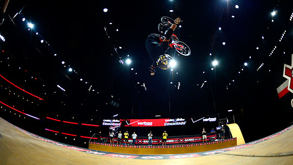 Steve McCann applied pressure during X Games Los Angeles, but several no-handed 900 crashes kept him off the podium.
