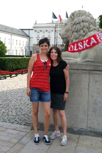 Kate Fagan and her mom, Kathy, in front of the presidential palace in Warsaw's old city.