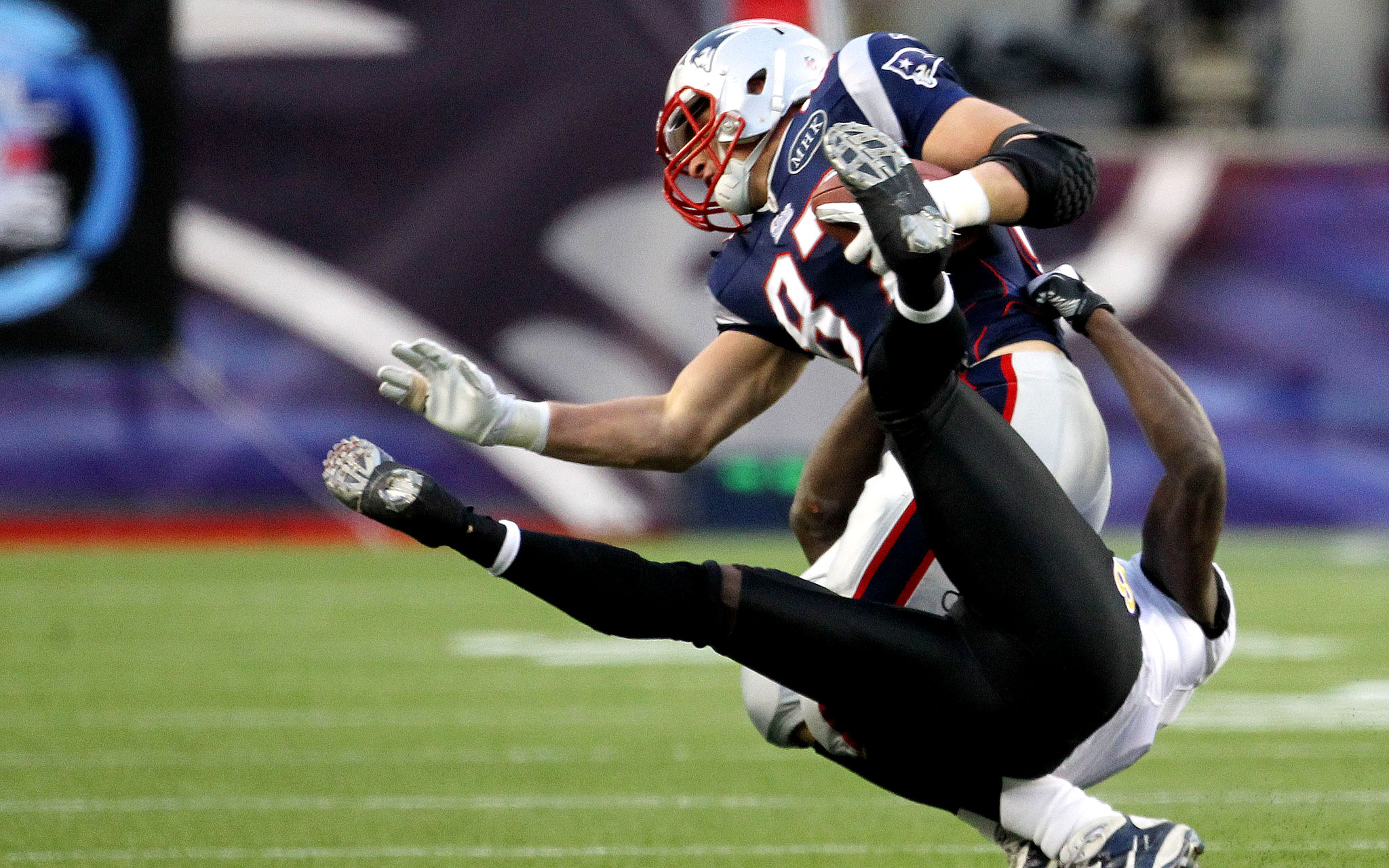Gronk Hurts Ankle In AFC Title Game