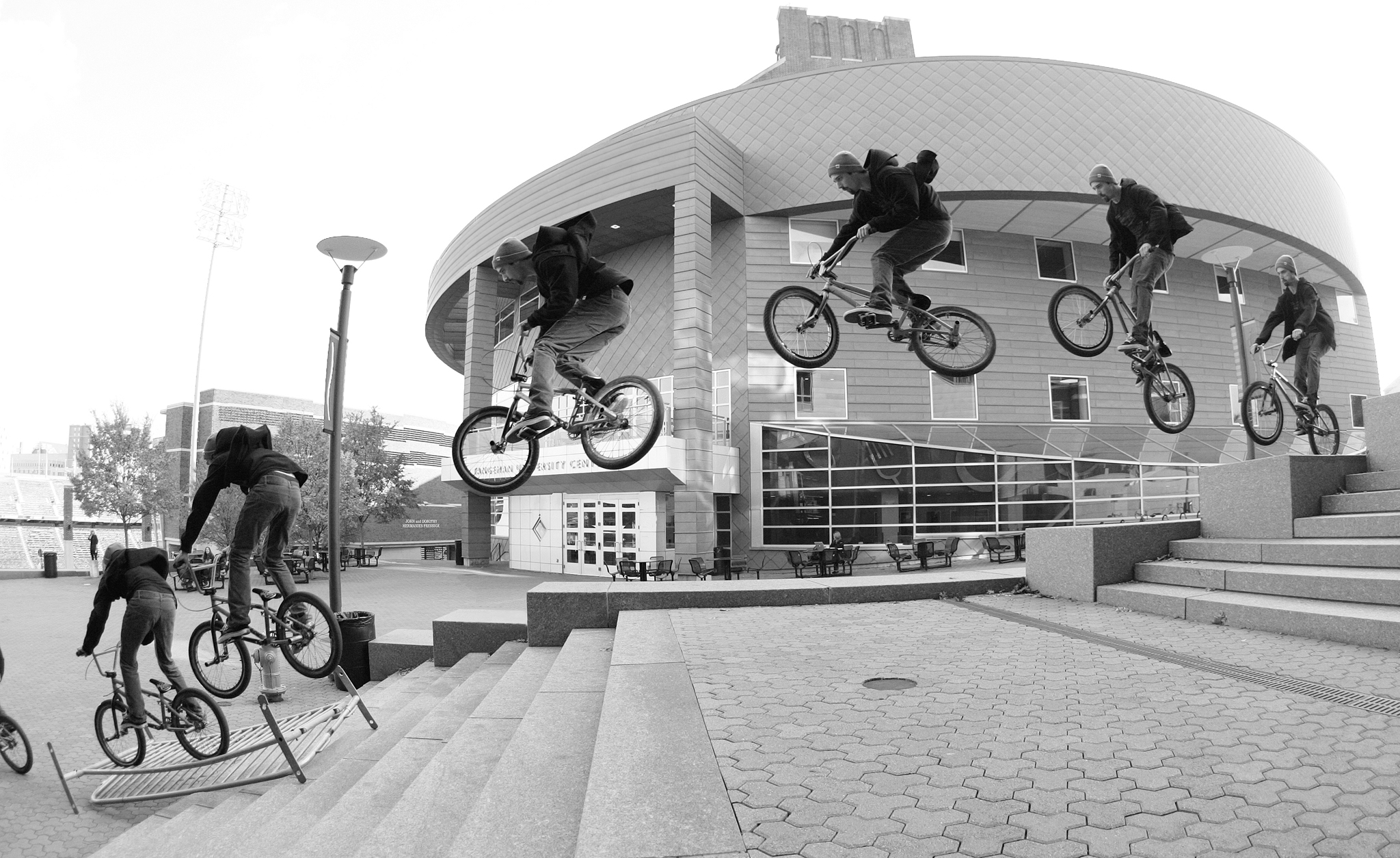 /photo/2012/1227/as_bmx_cody7_2048.jpg