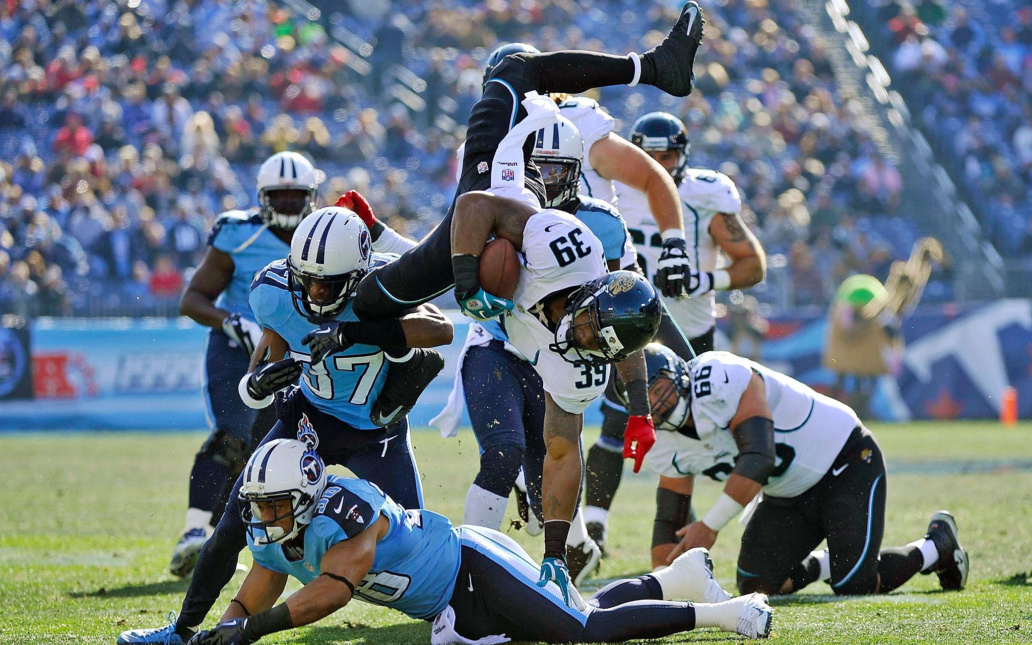 Head Over Heels - NFL Week 17 Gallery - ESPN