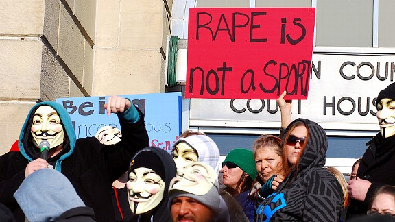 More than 1,000 activists protested against the way the rape case in Steubenville has been handled.