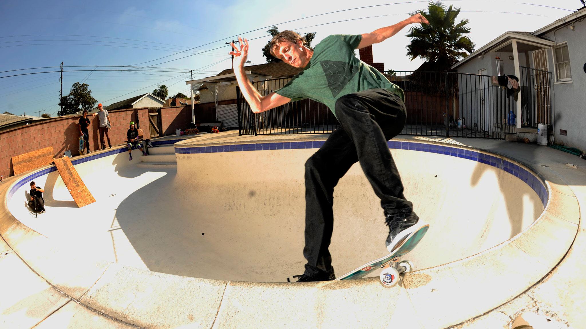 Skateboarding Cool Bowl Tricks