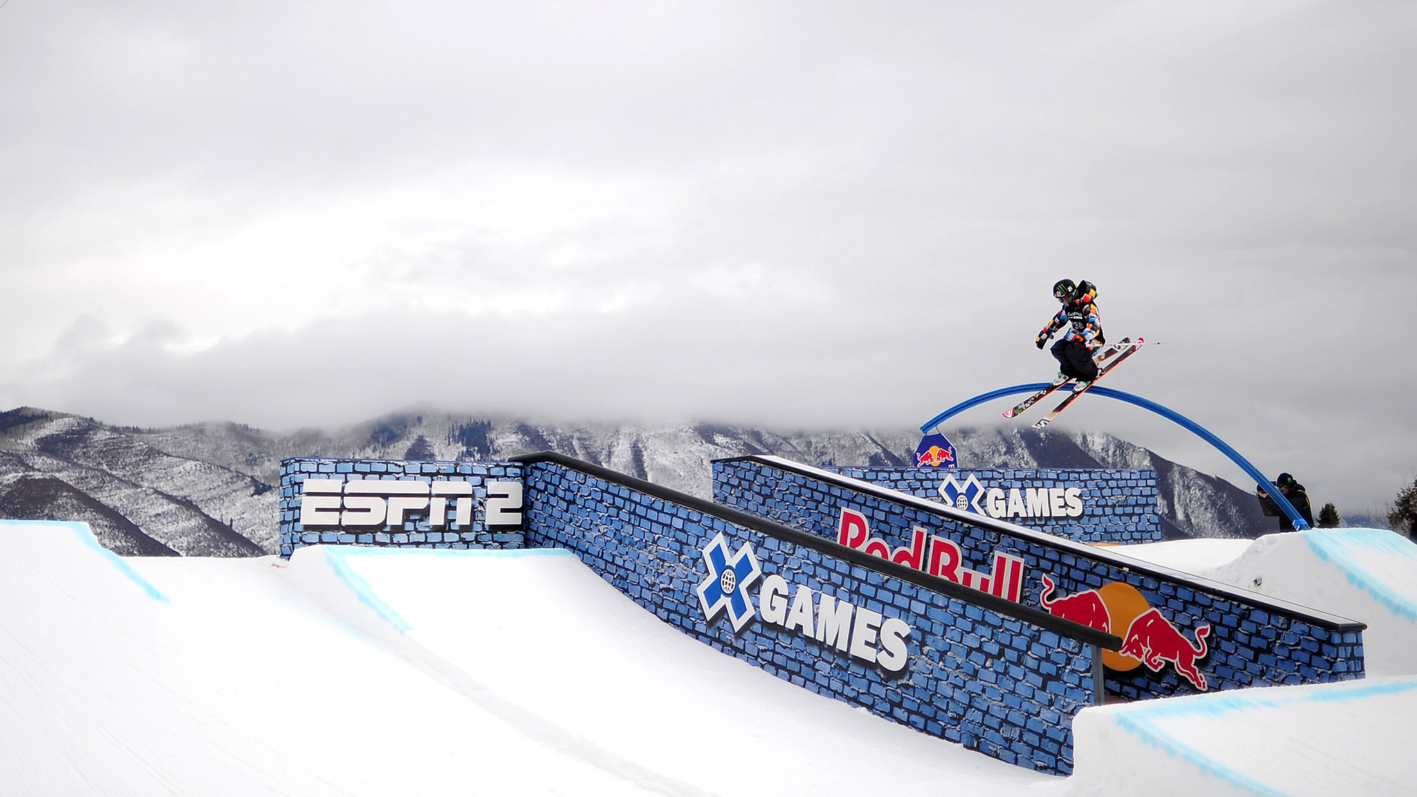 James Woods bounced back after a crash on his first run to earn the highest score during Ski Slopestyle eliminations.