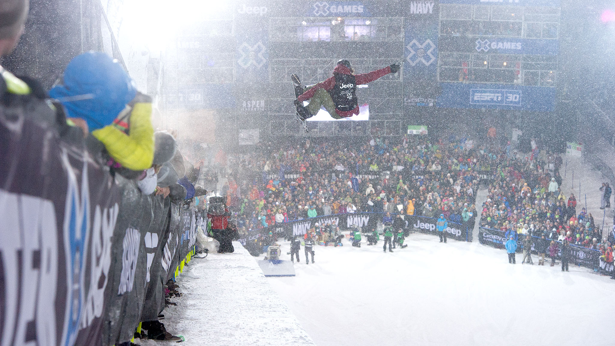 Kelly Clark won her third straight SuperPipe gold, edging Elena Hight by less than a point.