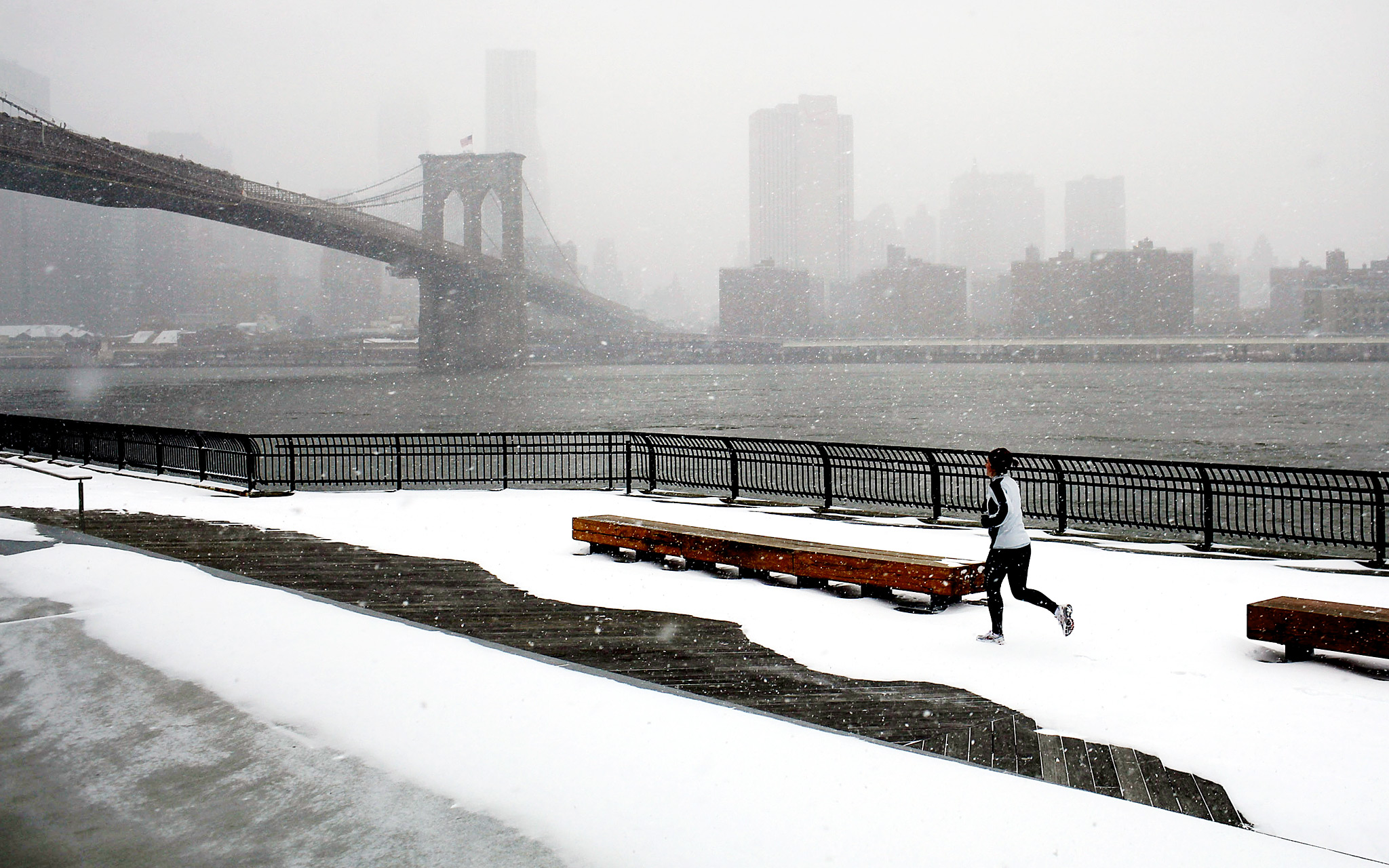 Running by the Brooklyn Bridge