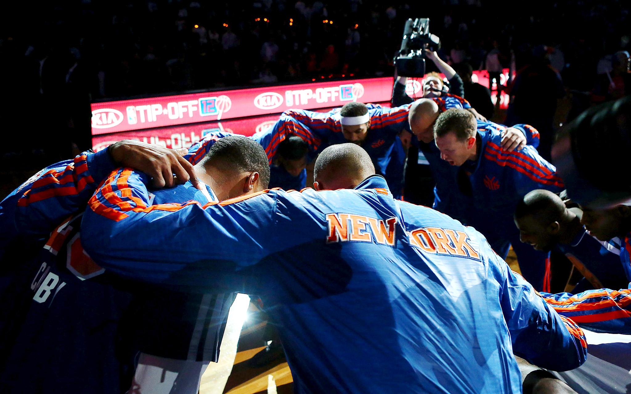 NY Knicks Huddle