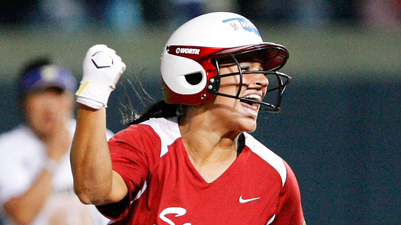 Lauren Chamberlain was one of three finalists for 2013 USA Softball Player of the Year.
