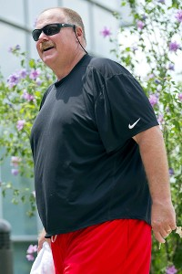 Longtime colleagues of Andy Reid say he appears rejuvenated in Kansas City.