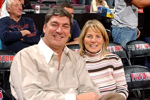 Bill Laimbeer and his wife, Chris, enjoy date nights and hunting deer.