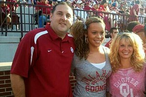 Chelsea Dungee feels right at home in Norman with assistant Chad Thrailkill and head coach Sherri Coale.