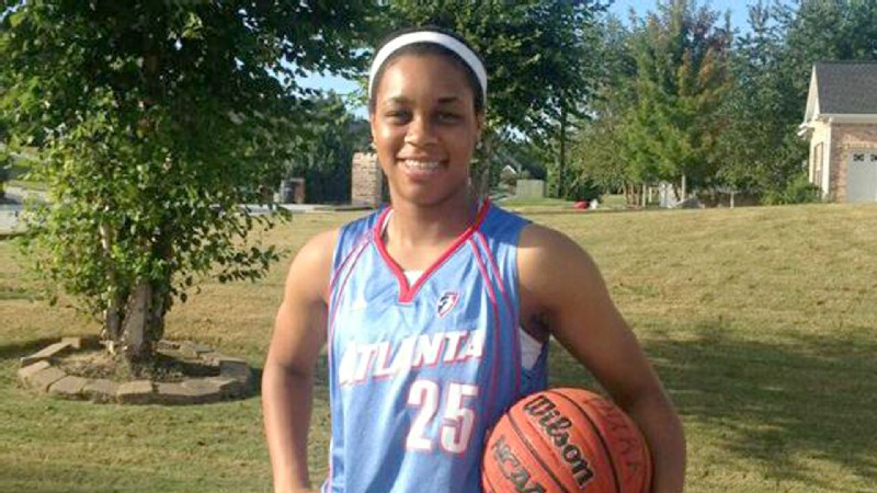 Asia Durr roots for the Atlanta Dream but gives the nod to Elena Delle Donne and the Chicago Sky in the WNBA playoffs.