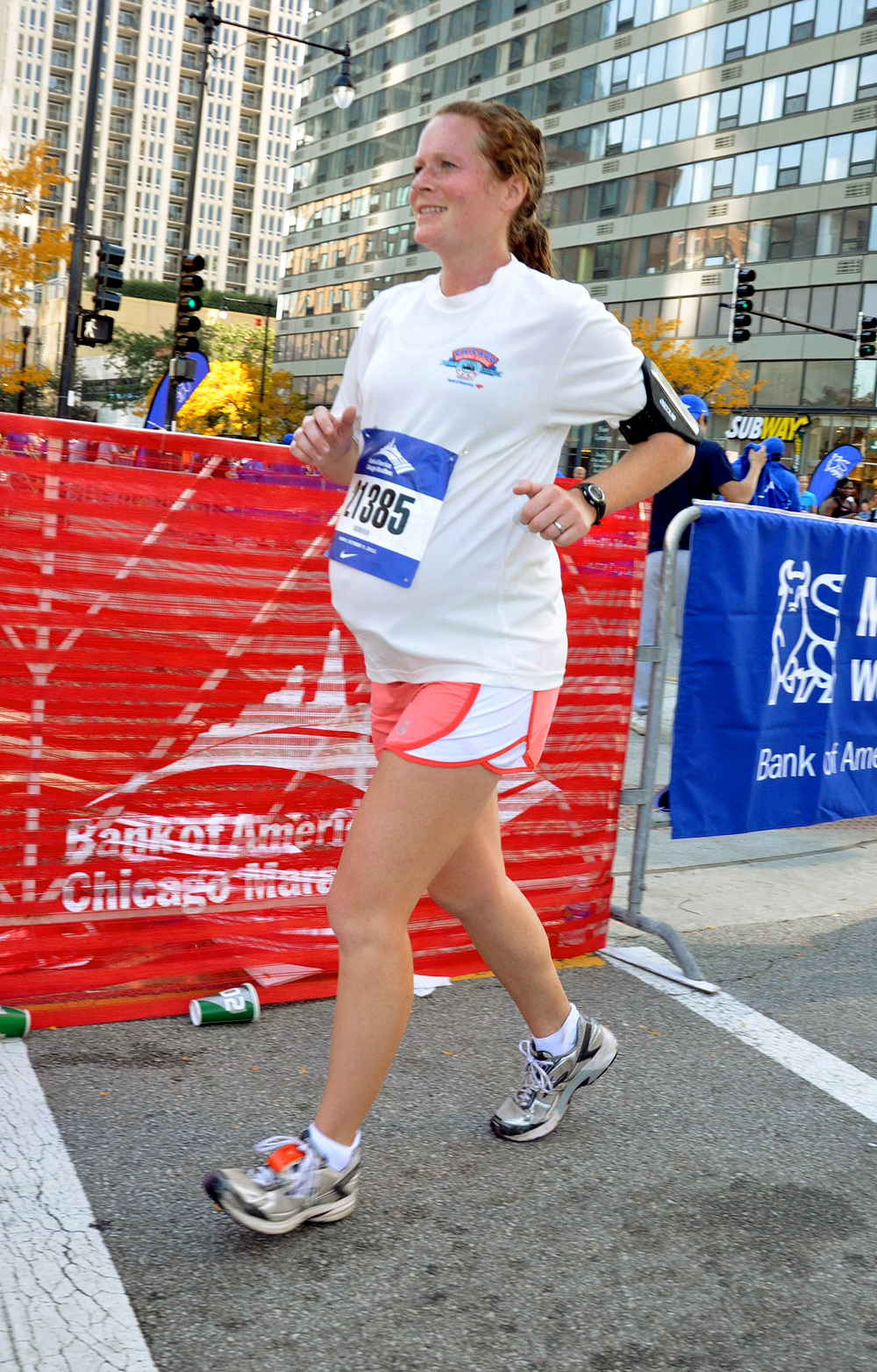 Amber Miller runs during the 2011 Chicago Marathon