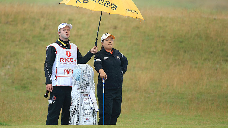 Inbee Park got off to a blazing start in her quest for a Grand Slam, birdieing six of the first 10 holes at the Womens British Open, but faltered as the weather deteriorated and never got back in it.