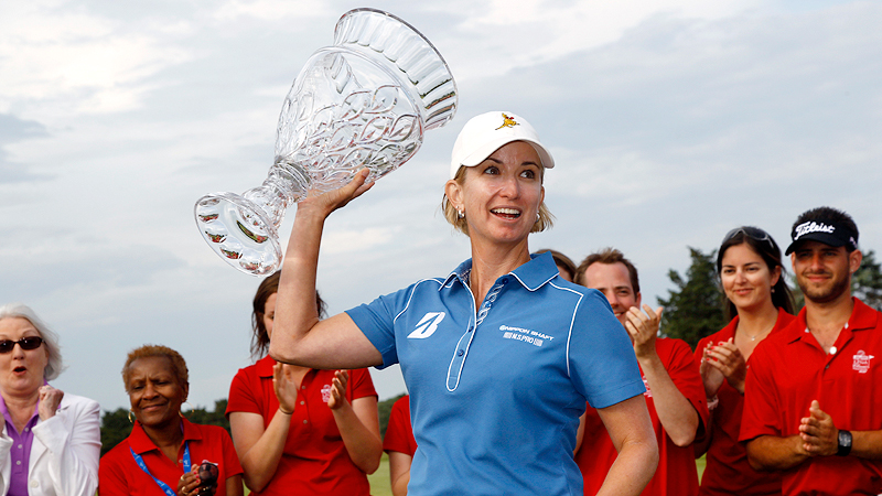 Karrie Webb won the ShopRite LPGA Classic in June, her first LPGA title in two years and 39th in her career. Playing for her ailing grandmother, she rallied from 5 strokes down for a 2-shot win.