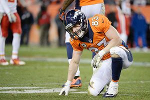 Wes Welker faces his former team Sunday night -- if he can shake last week's concussion.
