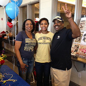 Brianna Cummings, a 5-foot-10 wing, signed a national letter of intent to play at George Washington. Brianna has shown that she is a proven winner during her time at both Greater Atlanta Christian High School and the Georgia Pistols, coach Jonathan Tsipis said. I(Photo Courtesy George Washington Athletics)/I
