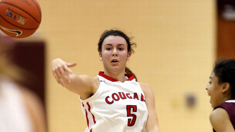 Natalie Romeo, a Nebraska signee and the No. 55 prospect in the 2014 class, and Carondelet (Calif.) fell in the first round of the Nike Tournament of Champions Blue Division to New York powerhouse Nazareth. (Photo: Chris Coduto/Icon SMI)