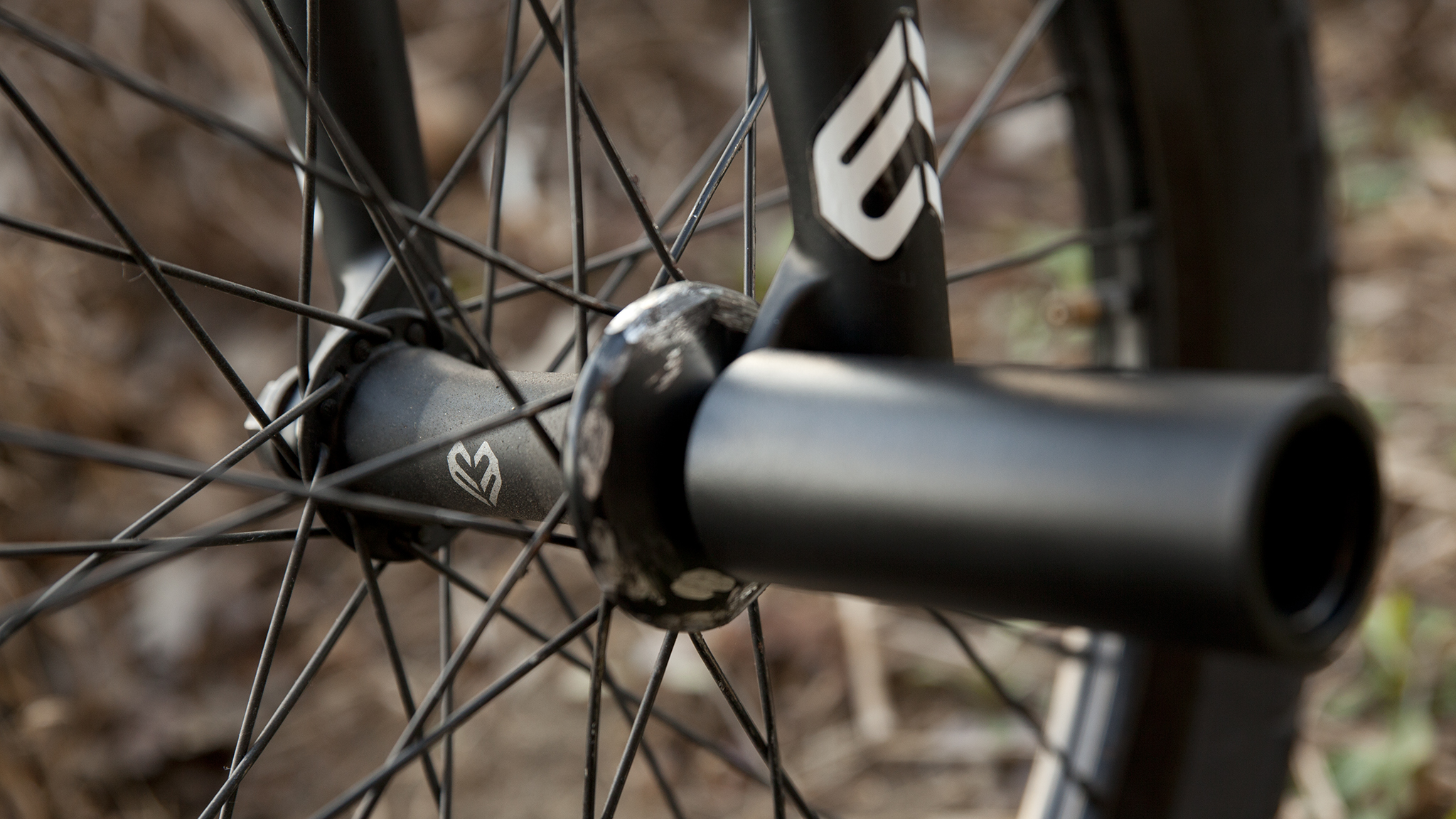 Tocco's wheels are built up by clat, while his pegs are supplied by Kink.