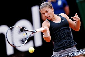 Sara Errani, who has reached the semifinals, is attempting to become the first countrywoman to win the Italian Open since Raffaella Reggi won 29 years ago.