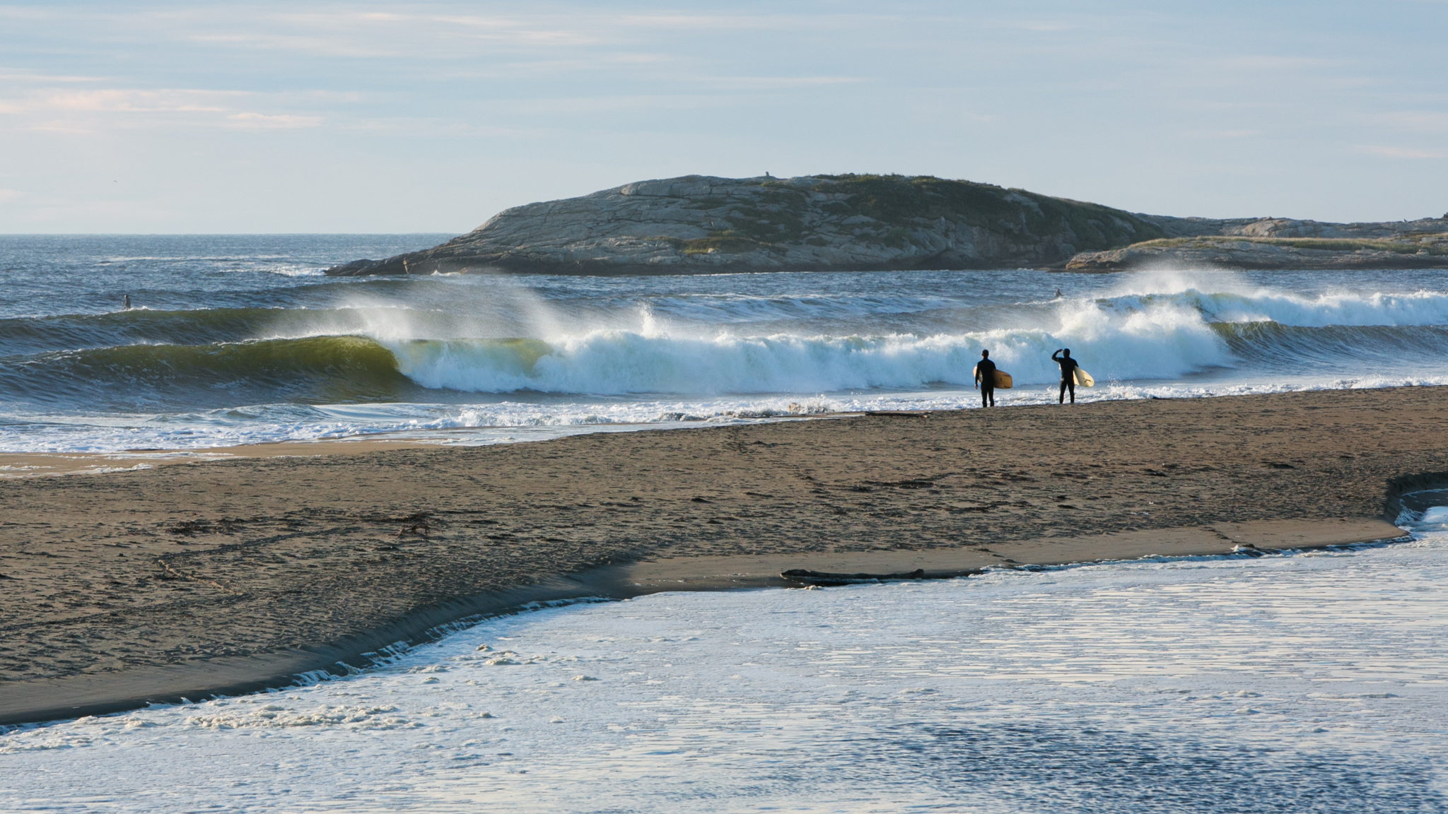 Of course the East Coast has surf, you just have to know where to look. With miles of exposed coastline, Maine offers the adventurous surfer a chance to break out of the norm, dip their toes in some really cold water, and potentially score perfect surf with nobody out.