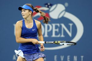 After a furious second-set rally, CiCi Bellis fell short in the deciding third set.