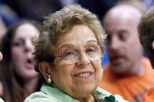 University of Miami president Donna Shalala plans to step down in 2015.