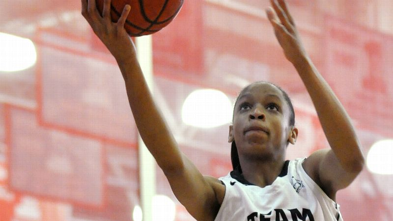 Leaonna Odom, who averaged 14 points and seven rebounds last season at Mater Dei, has enrolled at Chaminade Prep for her junior year.