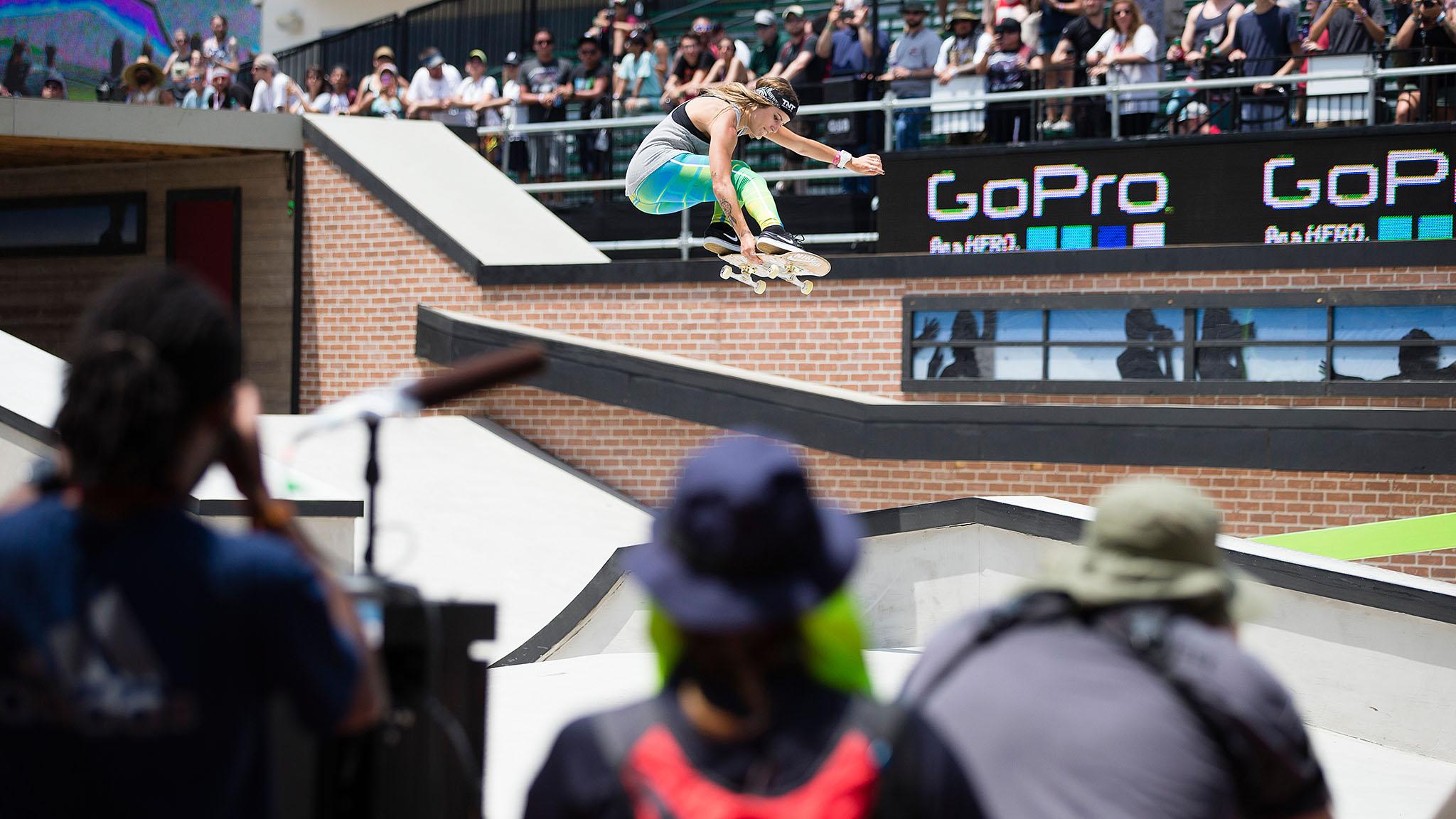 Women's Skateboard Street: Leticia Bufoni