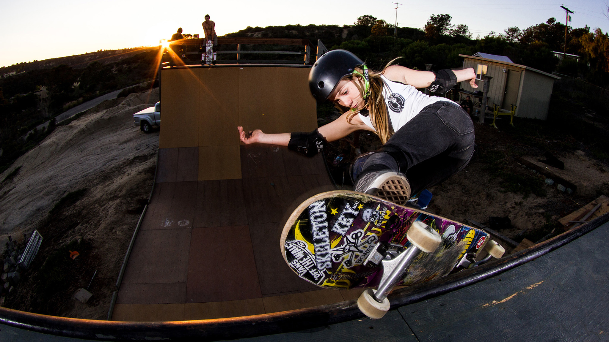 Women's Skateboard Park: Allysha, Brighton and Lizzie