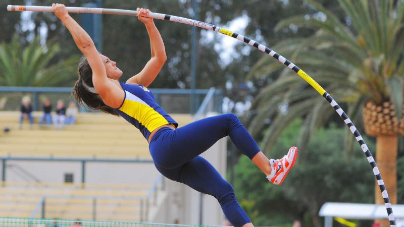 Allison Stokke during the 2009 Payton Jordan Cardinal Invitational at Cobb Track and Angell Field in Stanford, Calif.