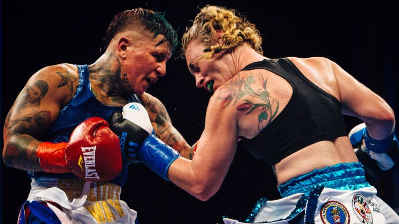 Heather Hardy fights Shelly Vincent