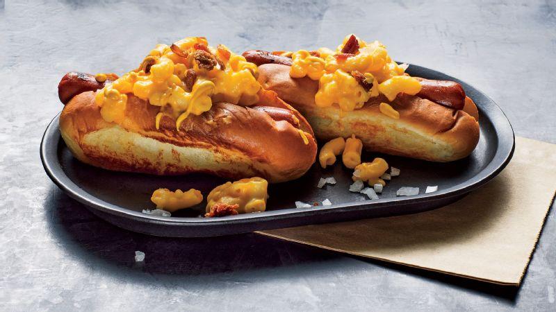 Josiah Citrin's Mac 'N' Cheese Hot Dog